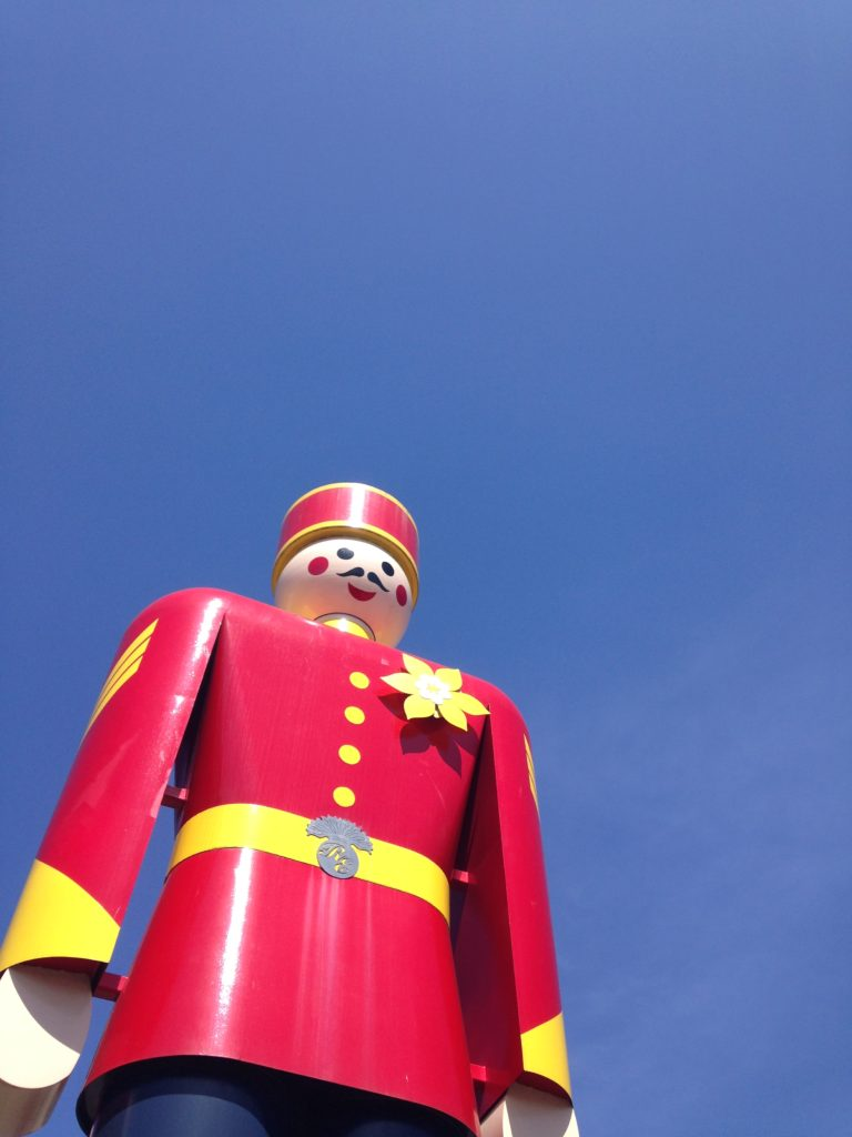 Photo of the New Westminster Tin Soldier against a blue sky by Jen Arbo