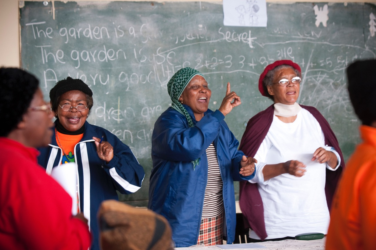 Grandmothers supported by Tateni Home Care Nursing Services receive access to home-based care, psychosocial support through bereavement counselling and well-being programmes for caregivers, and are supported financially in caring for children and adolescents who have been orphaned by HIV & AIDS.